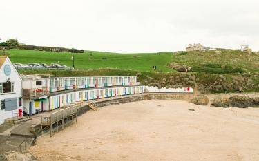 colourful huts-1
